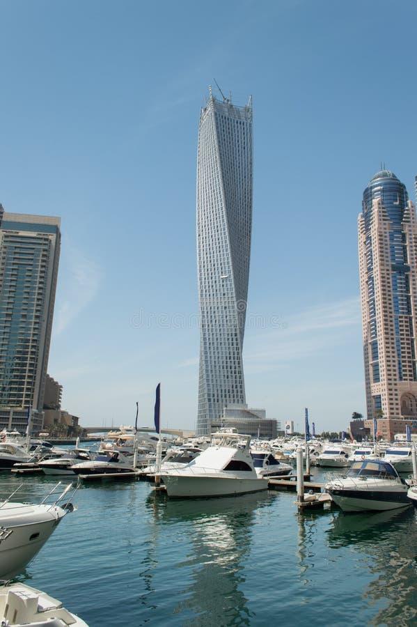 rascacielos de la torre del infinito en dubai