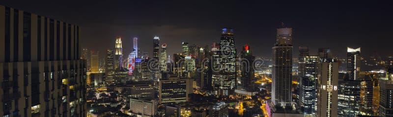 Rascacielos de Singapur en distrito financiero central imagenes de archivo