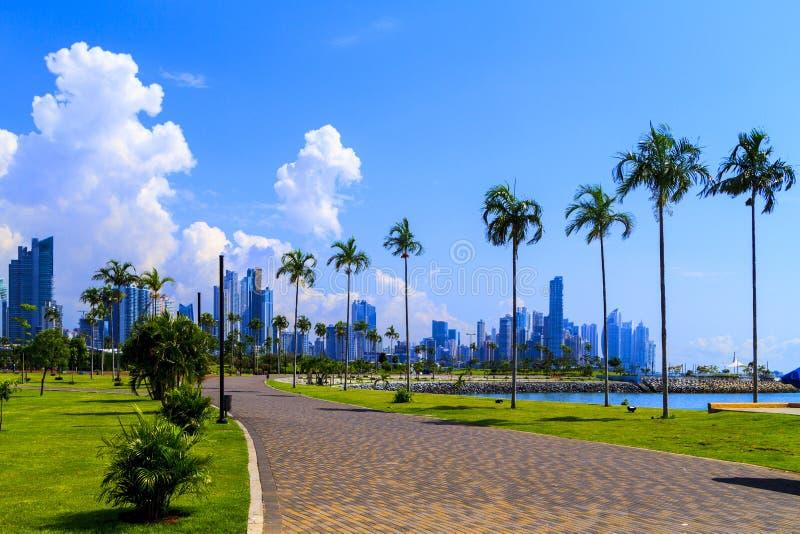 Rascacielos en ciudad de Panamá fotos de archivo