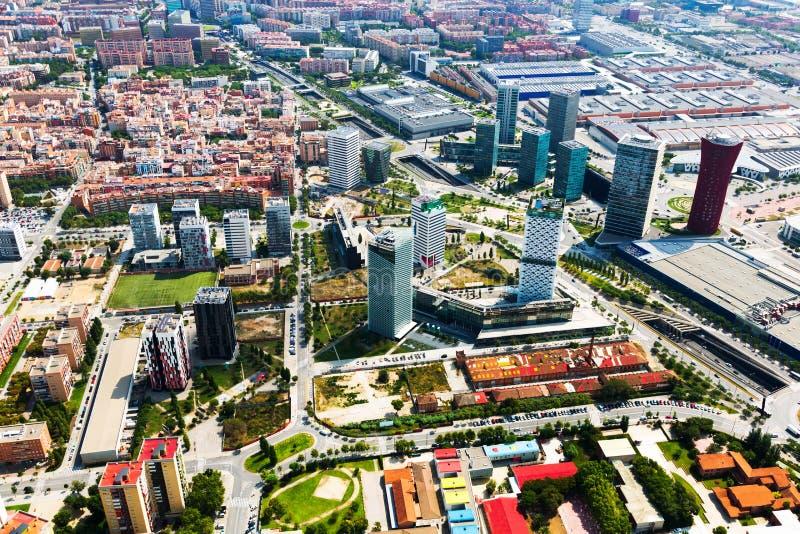 Download Rascacielos En El Distrito De Sants-Montjuic Barcelona Foto de archivo - Imagen de visión, industria: 44852008