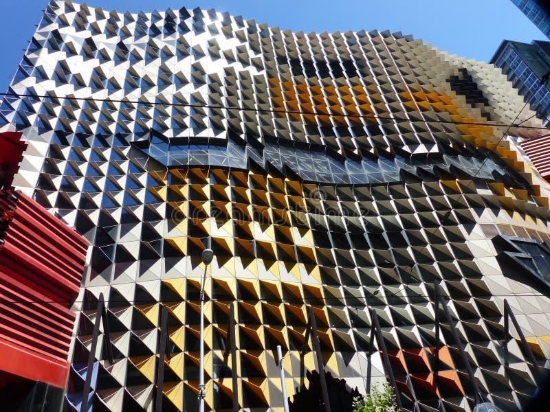 Rascacielos maravilloso en Melbourne, Australia, diversos colores y estructuras en vidrio y acero imagen de archivo libre de regalías