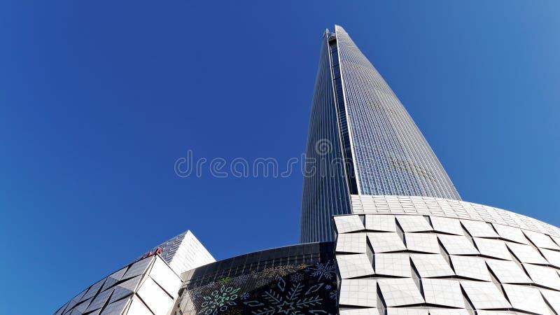 Rascacielos muy alto fotos de archivo