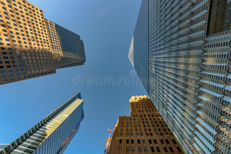 Rascacielos urbanos del Lower Manhattan fotos de archivo