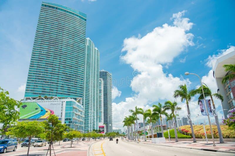 Download Rascacielos Y Tráfico En Miami Céntrica Imagen editorial - Imagen de miami, bulevar: 41902780