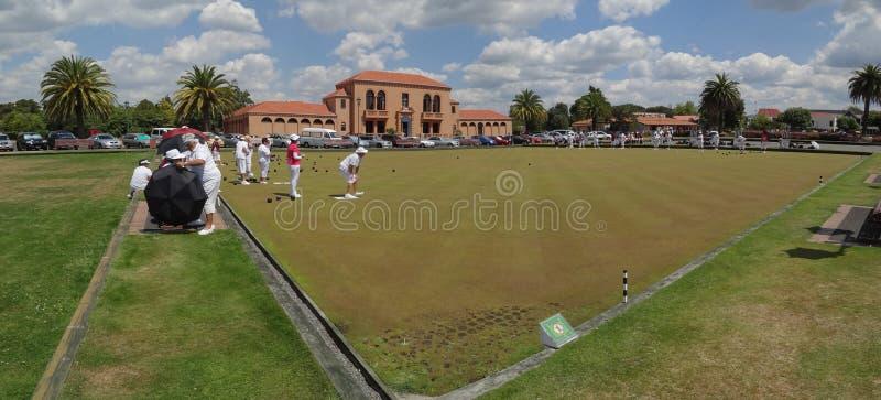 Rasen-Bowlingspiel an den Regierungs-Gärten lizenzfreie stockbilder