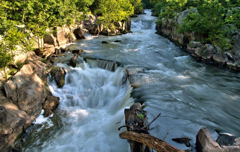 Rasender Potomac-Fluss lizenzfreie stockfotografie