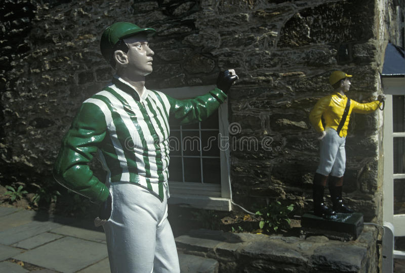 Rasenjockeys außerhalb von des Hotels und der Taverne in Middleburg, VA auf US-Weg 50 lizenzfreies stockfoto