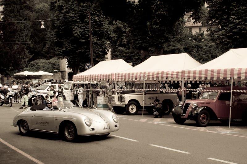 Raser Porsches 356 in Bergamo historischer Grandprix 2015 stockfotos