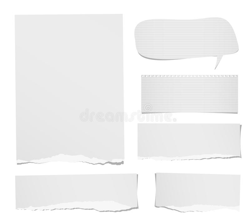 Rasgado la nota gobernada y en blanco, el cuaderno, las tiras de papel, la burbuja del discurso de las hojas para el texto o el m libre illustration