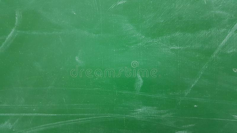 Rasguños verdes del fondo de la pizarra de la escuela fotos de archivo libres de regalías