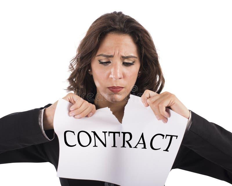 Rasgue el contrato foto de archivo libre de regalías