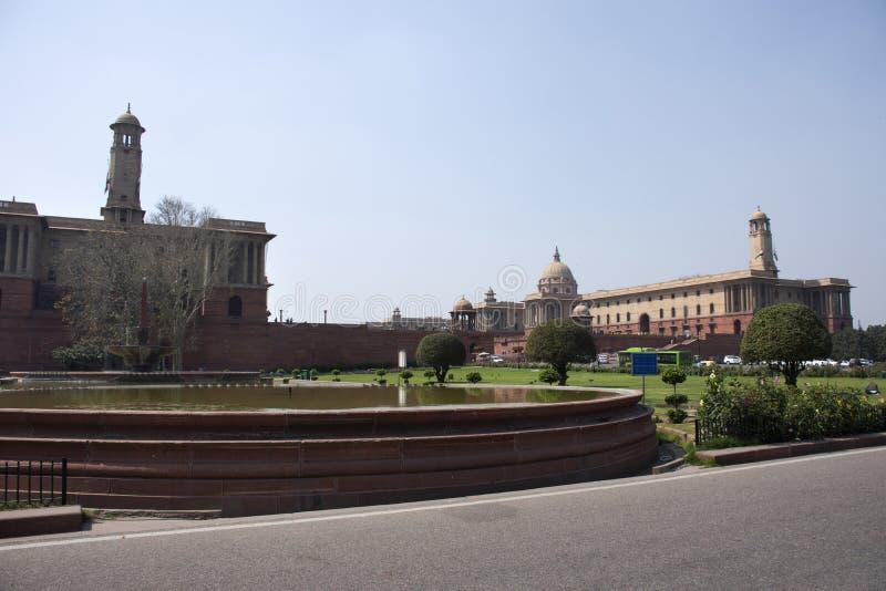 Rashtrapati Bhavan und Delhi-Sekretariat in Neu-Delhi, Indien lizenzfreie stockbilder