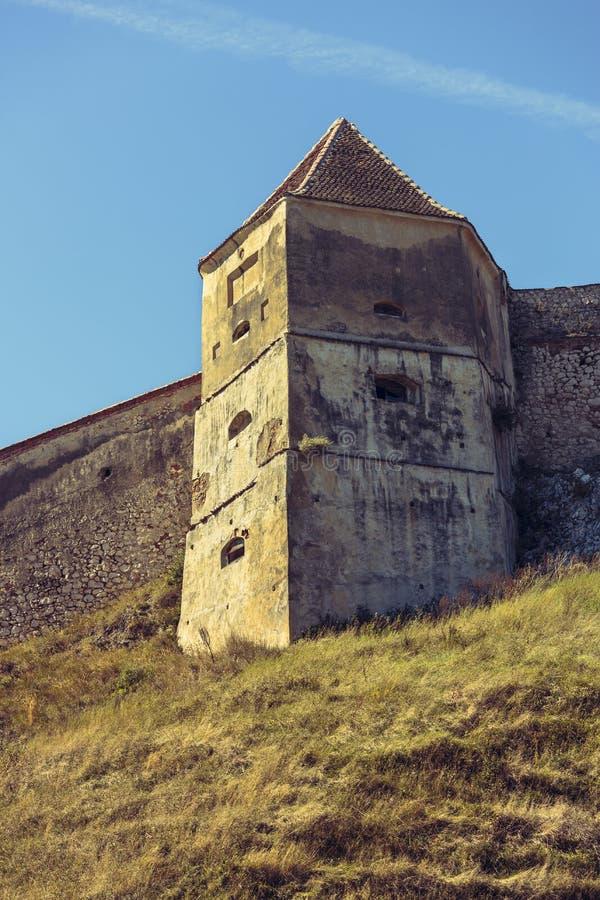 Rasnov城堡,罗马尼亚中世纪塔和防御墙壁  图库摄影