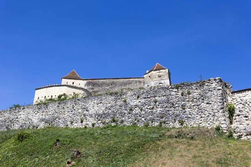Rasnov堡垒在一个晴朗的春日 库存照片