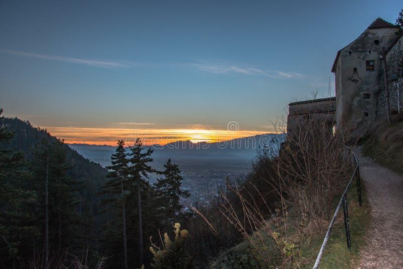 Rasnov cytadeli Tansylvania góry w lecie zdjęcie stock