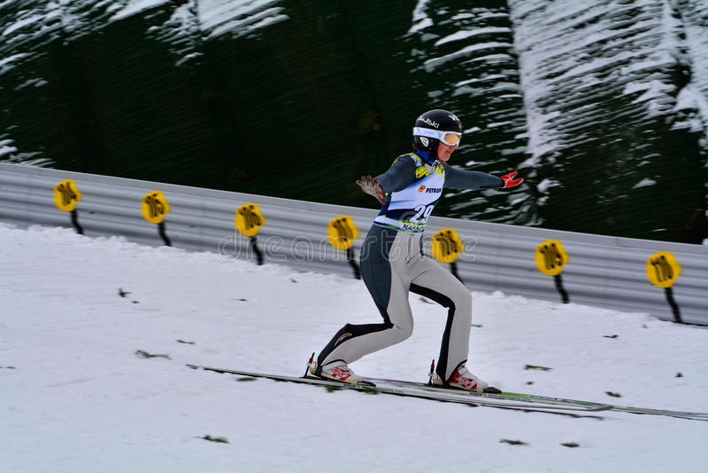 Rasnov, Roumanie - 7 février : BOGATAJ Ursa concurrence dans le FIS Ski Jumping World Cup Ladies image stock