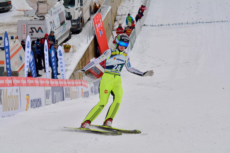 Rasnov, Roumanie - 7 février : INSAM Evelyn concurrence dans le FIS Ski Jumping World Cup Ladies photographie stock