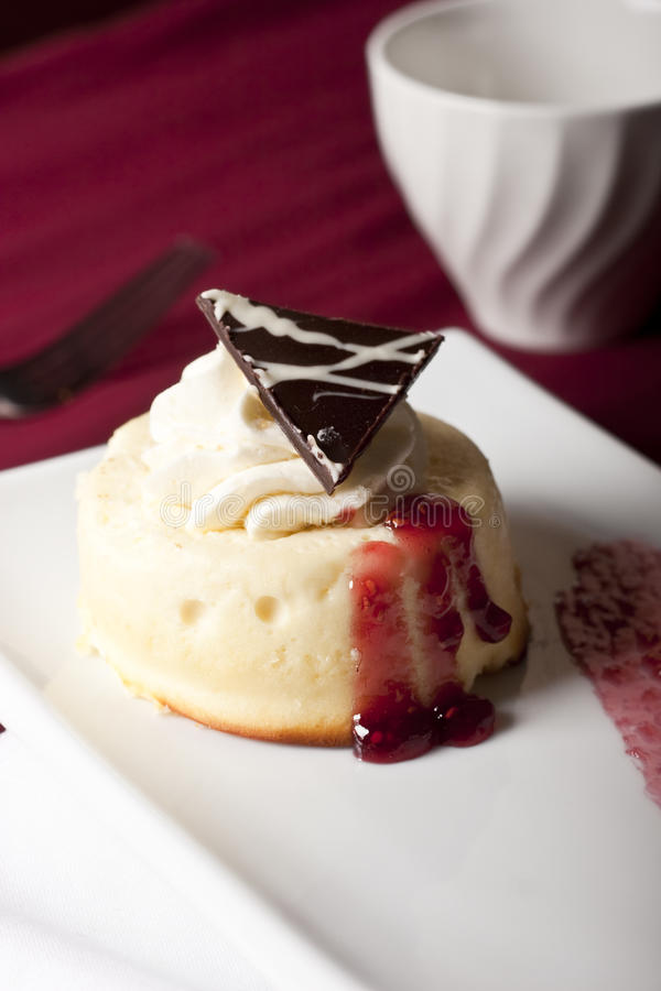 Raspberry cheesecake royalty free stock images