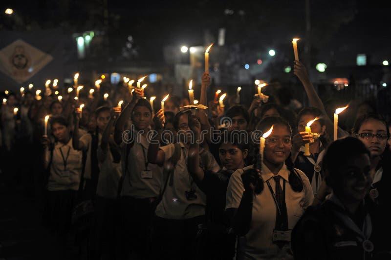 Rassemblement de lumière de bougie images libres de droits