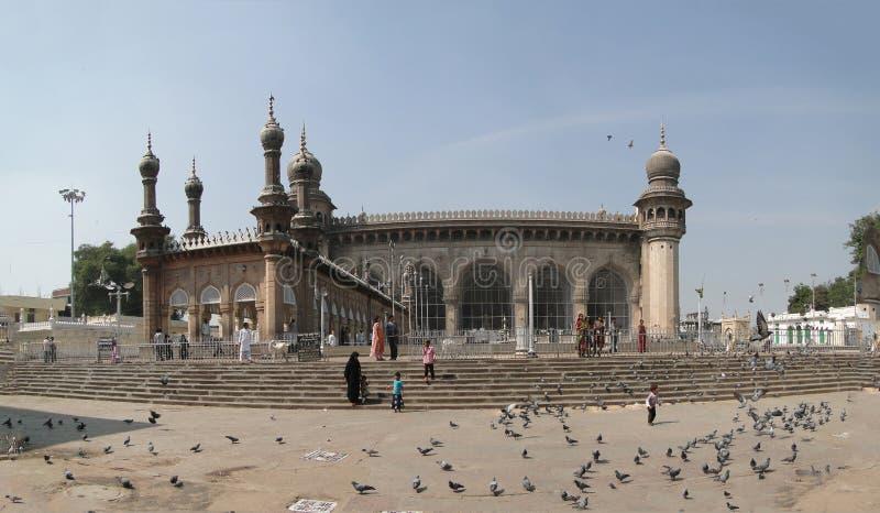 Rassemblement de musulmans en dehors de la mosquée de la Mecque photographie stock