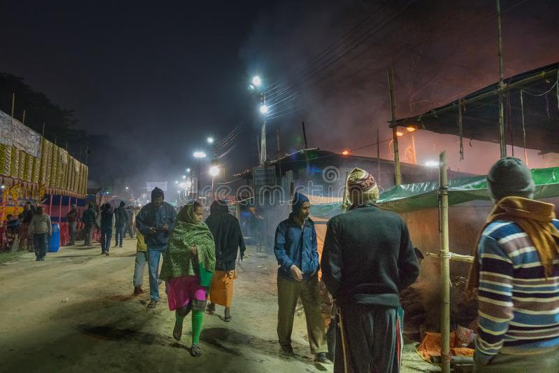 Rassemblement de sadhus indou indien - Gangasagar Mela image stock