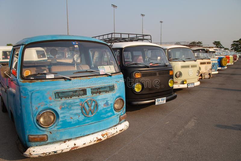 Rassemblement de VW van owners lors de la réunion de club de volkswagen photo libre de droits