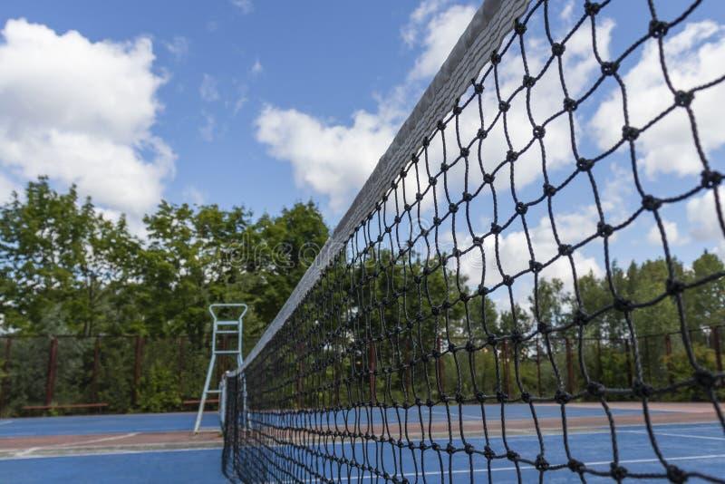 Raster p? tennisbanan som en bakgrund royaltyfri fotografi