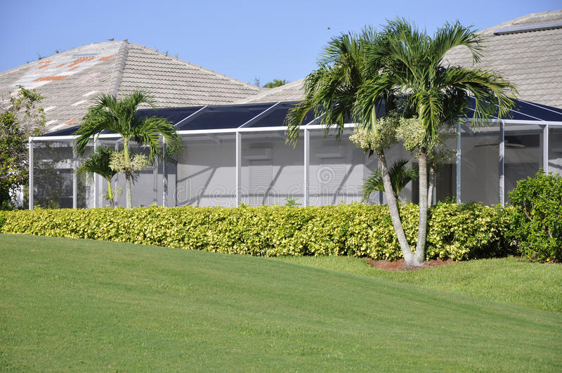 Rastern Sie Portal für Haus in Neapel, Florida lizenzfreies stockfoto