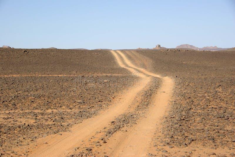 Rastro en desierto libio fotos de archivo libres de regalías