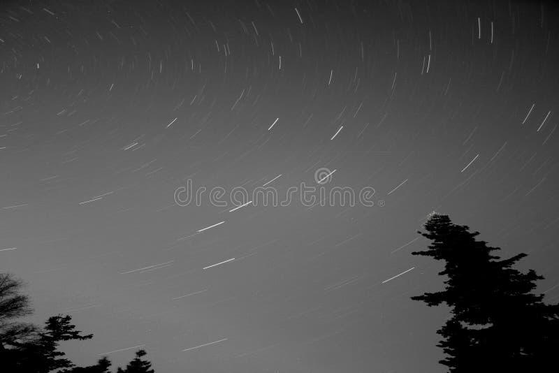 Rastros de la estrella del cazo grande fotografía de archivo
