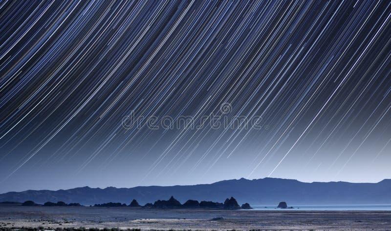 Rastros de la estrella del lago pyramid fotografía de archivo