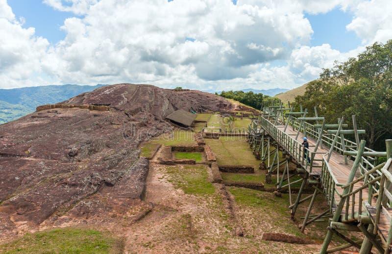Rastros y remanente de una civilización antigua Sitio arqueol?gico de El Fuerte de Samaipata, Bolivia fotografía de archivo