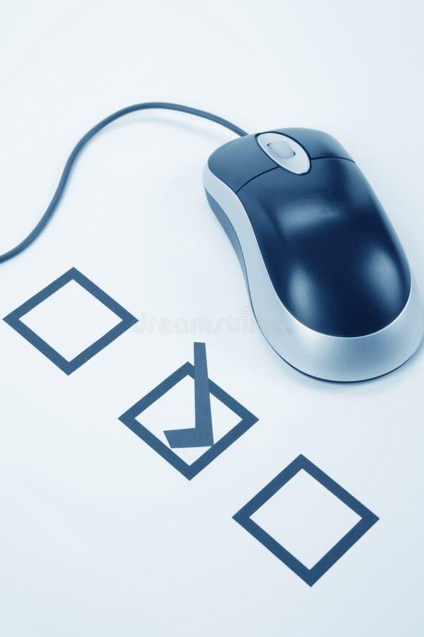 Ratón del cuestionario y del ordenador imagenes de archivo
