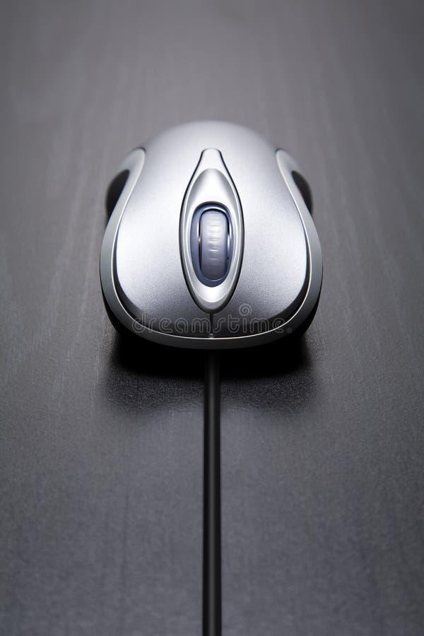 Ratón del ordenador con la cuerda larga fotografía de archivo