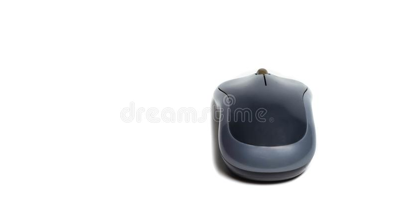 Ratón inalámbrico del ordenador negro aislado en el fondo blanco fotos de archivo libres de regalías