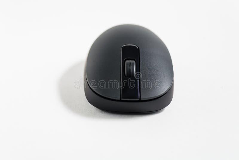 Ratón negro de la PC en blanco foto de archivo libre de regalías