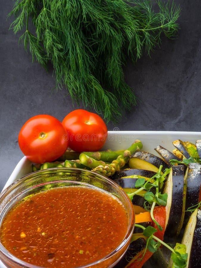 Ratatouille - legumiera tradizionale di Provencal del francese cucinata in forno fotografie stock