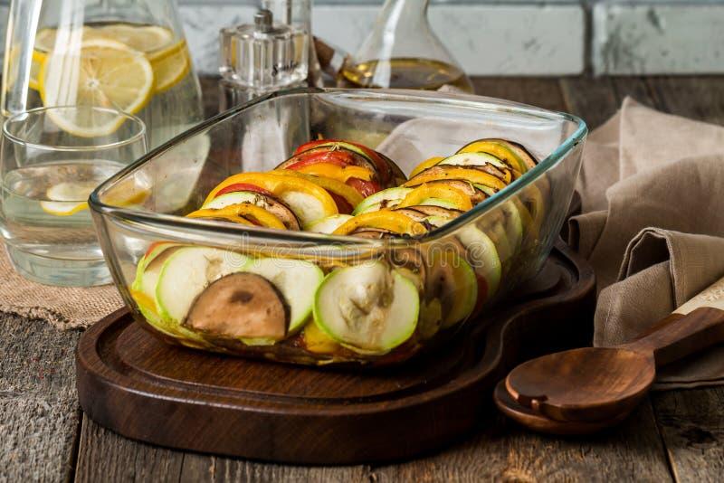Ratatouille - traditionell maträtt för franskaProvencal grönsak arkivfoto