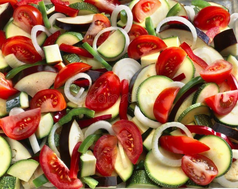 ratatouille warzywa surowi pokrojeni zdjęcia stock