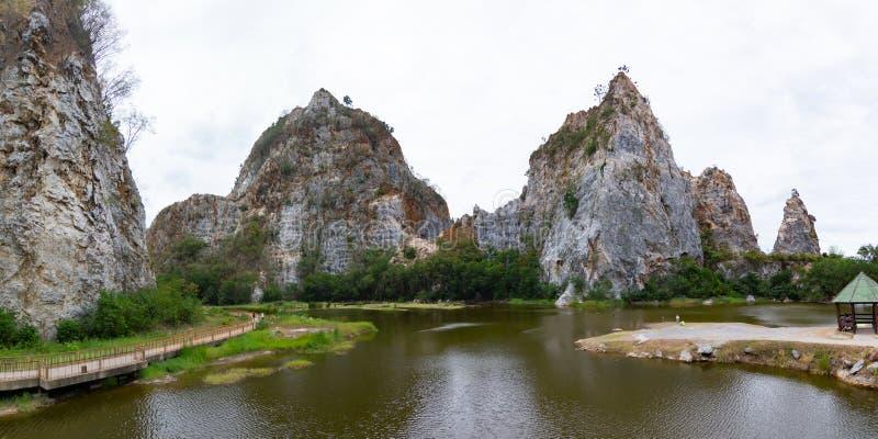 ` Ratchaburi Tailândia do parque da pedra de Khao Ngu do ` fotos de stock royalty free