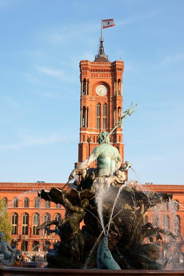 rathaus Нептуна фонтана berlin стоковое изображение rf