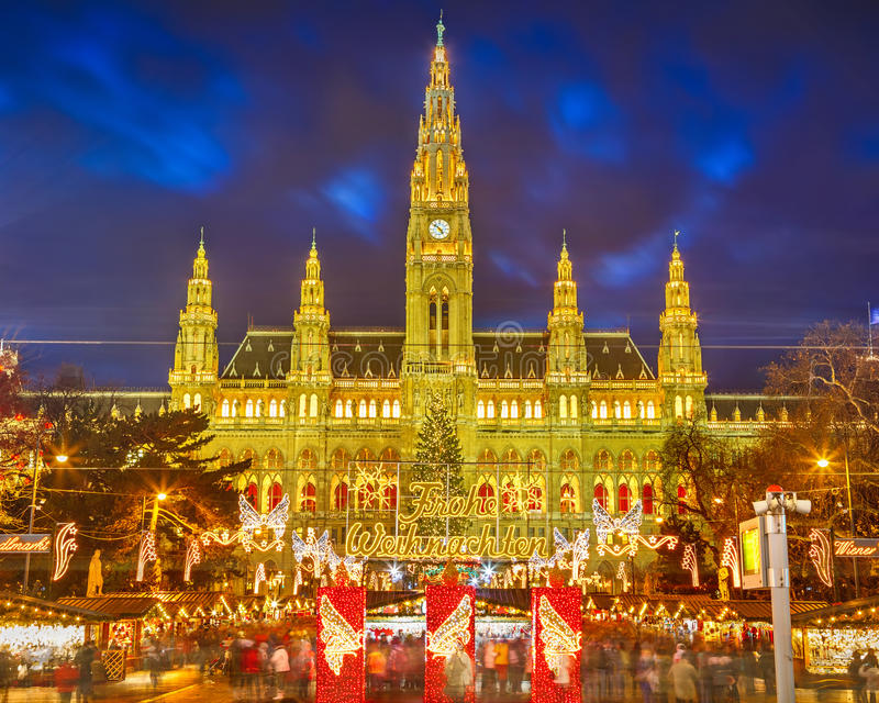 Download Rathaus And Christmas Market In Vienna Stock Photo - Image: 34788690