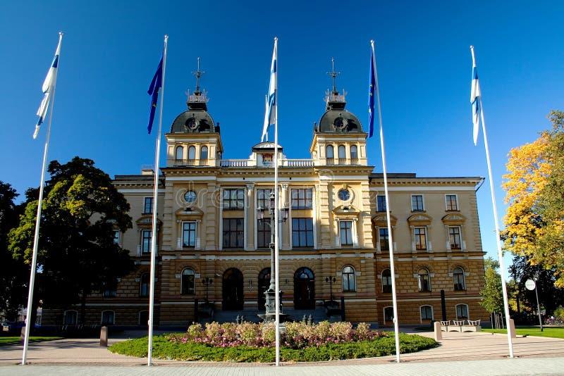 Rathaus in der finnischen Stadt lizenzfreie stockfotografie