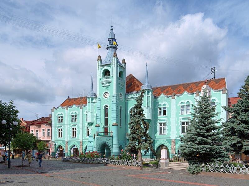 Rathaus in Mukacheve, Ukraine lizenzfreie stockfotografie