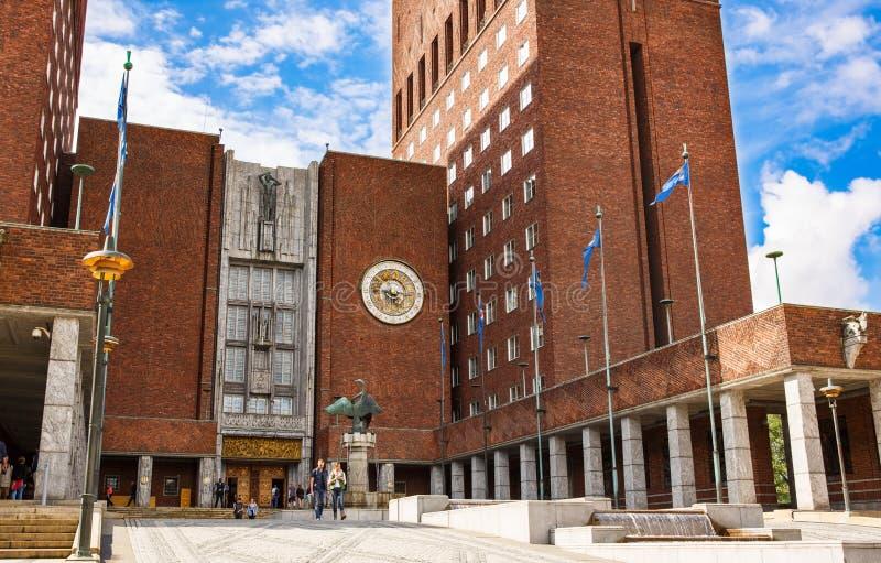 Rathaus in Oslo stockbilder