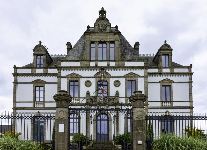 Rathaus in Ploermel, Bretagne, Frankreich lizenzfreie stockfotos