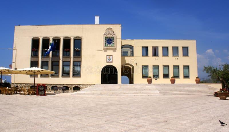 Rathaus sperlonga stockfotografie