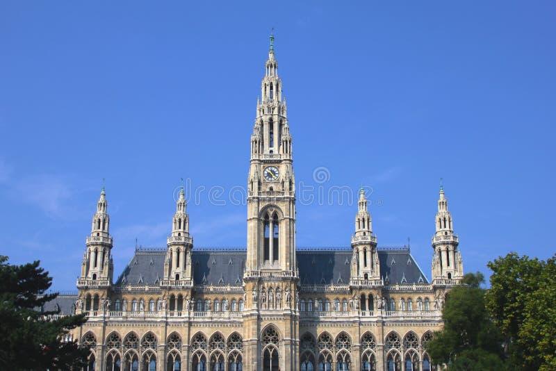 Rathaus (stadshus) byggnad i Wien, Österrike royaltyfri bild