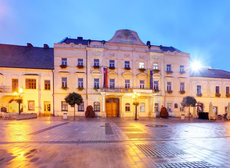 Rathaus in Trnava, Slowakei lizenzfreie stockfotos