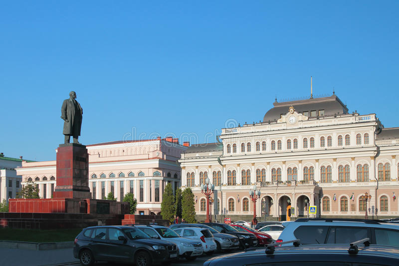 Rathaus und Monument zu Lenin, Liberty Square Kazan, Russland lizenzfreies stockbild